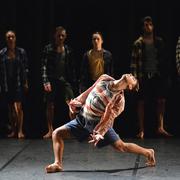 performance_verve_2013_shuffle_dancer_in_foreground_-_roger_fernandez_cifuentes_photographer_-_brian_slater.jpg